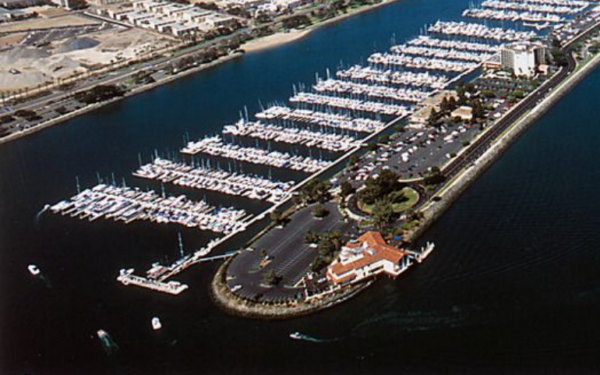 Birdseye view of the bay with boats